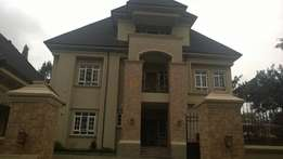 7 bed detached duplex with a pool