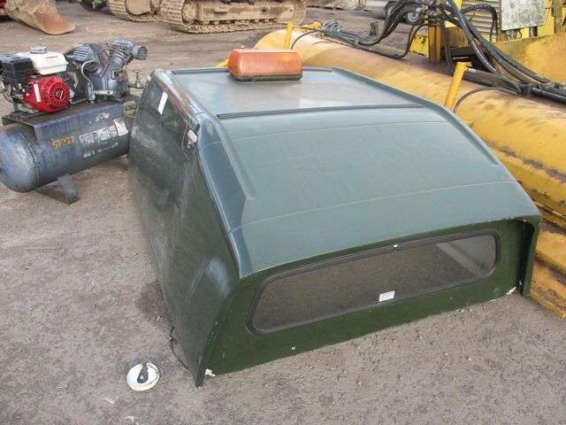Green truckman top   spare body part for van for sale by auction - image 3