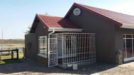 4 Bedroom house, 3 Garages, 2 Bathrooms stand 1467