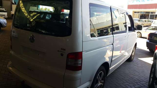 **2005 VW Carvelle 2.5TDI 132kw 4motion** Well looked after* Bloemfontein - image 3