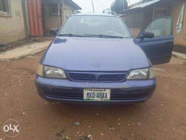A very clean and well maintained Toyota Carina E 2.0GLI Abuja - image 2