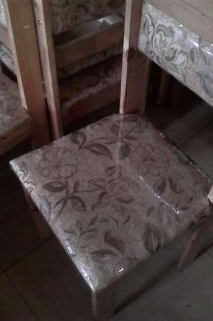 Brand new table and chairs : R 1450 Westville - image 4