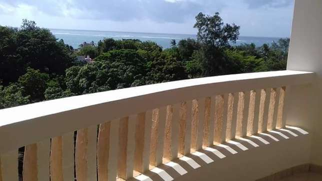 NEWLY BUILD 3 bedroom APARTMENT with SEA view and swimming pool Nyali - image 3
