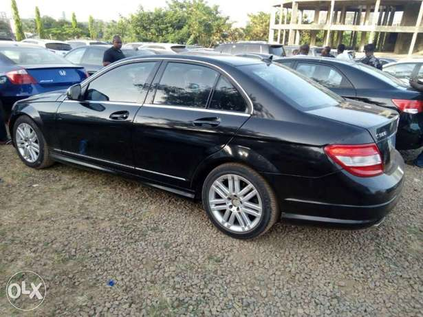 2008 Mercedes-Benz c300 4matic Central Business District - image 4