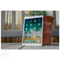 Apple ipad pro 64gb Brand new and sealed in a shop with warranty