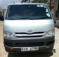 2010 Hiace 7l Diesel Automatic Well maintained