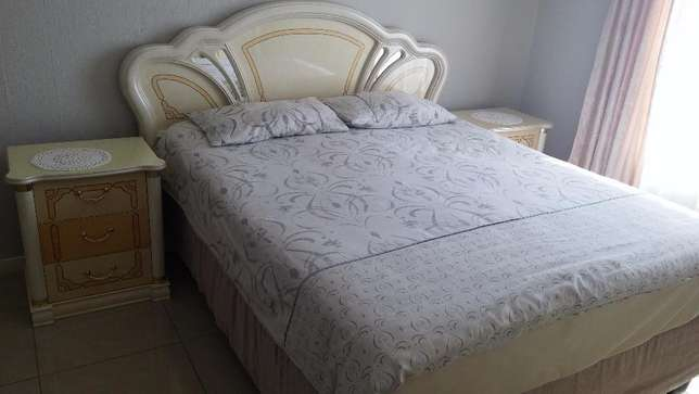 Imported Italian Cleopatra Bedroom suite East Rand Mall - image 2