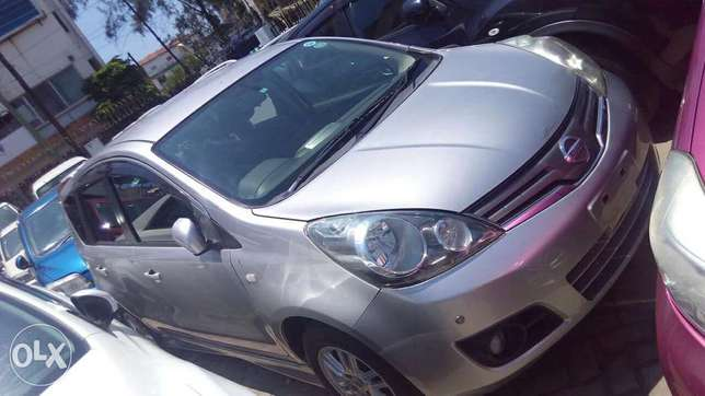 Nissan note silver colour fully loaded kcn Mombasa Island - image 3