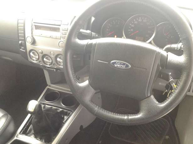 Ford Ranger 3.0 TDI High Trail XLE 4x2 Cambridge - image 4