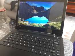 Toshiba Laptop, Lightweight and powerful