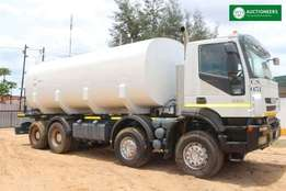 2015 Iveco Trakker 420 8x4 25,000l Water Truck for sale