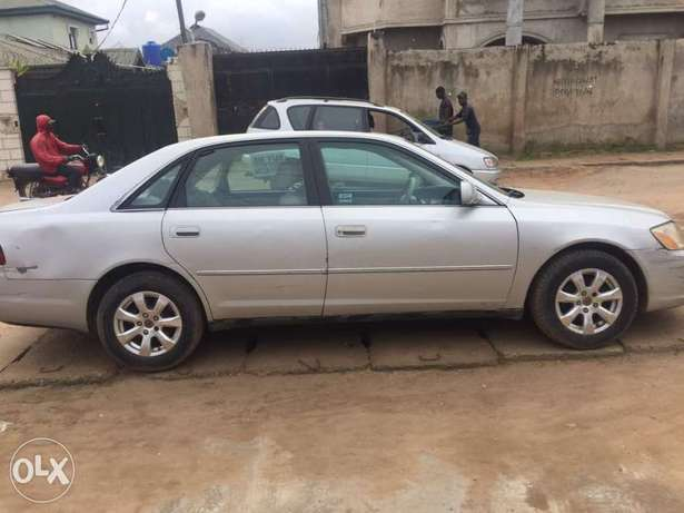 ADORABLE MOTORS: A clean first body, well used 03 Toyota Avalon Lagos Mainland - image 1