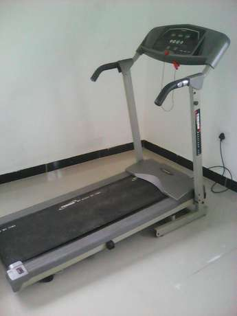 Treadmill for sale . not working Orient Hills - image 2