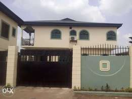 Lovely 3bedroom flat for rent in ayanusi estate ikorodu