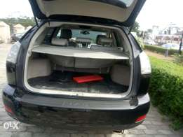 Clean Naija used Lexus RX330 up for sale