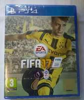 Barely used Fifa 17 game for Ps4.