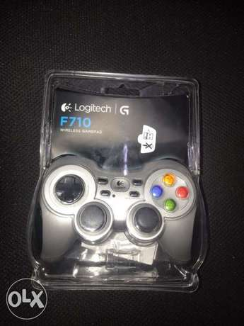 Logitech f710 wireless gamepad for pc new with 2 years guarantee