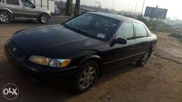 Toyota Camry tiny light. 1999.v6.engines.. Leather seat.alloy wheels..