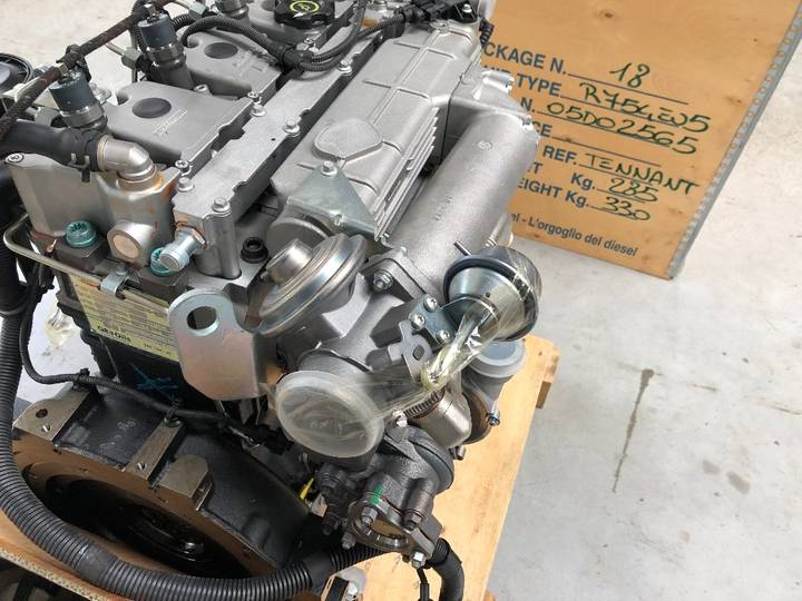 VM 05D4 Diesel engine new - image 10