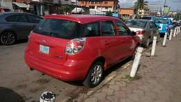 Toyota matrix 2006 model very clean buy and drive