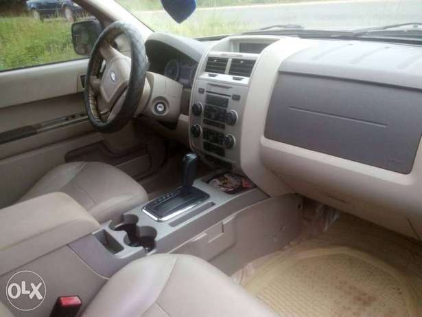 Very neat ford escape 2011 Ibadan Central - image 4
