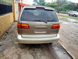 Just arrived 1999 toyota sienna xle Lagos cleared.