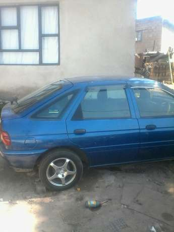 Like new ford escort Bellair - image 3