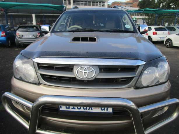 Toyota Fortune 3.0 D4D 2008 model with 5 doors Johannesburg - image 8