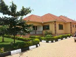 4bedrooms standalone in kyanja for rent