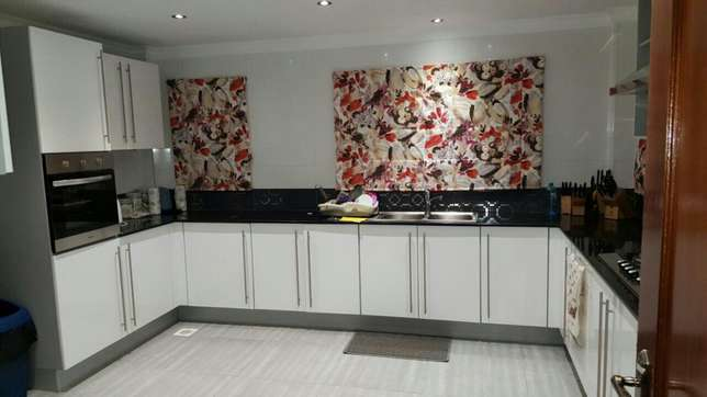 Quality curtains and blinds Lavington - image 1