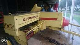 New Holland Baler te koop.