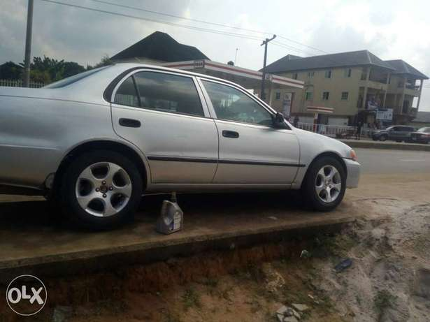 Clean Nigerian used Toyota corolla 2000 Model Port Harcourt - image 2