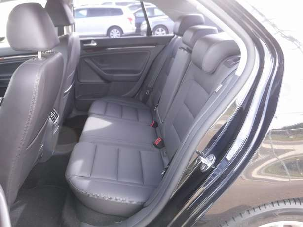 VW JETTA 2009 Leather Seats 2 Liter FSi Hurlingham - image 8