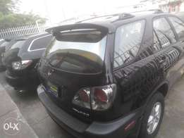 fresh tokunbo 2003,lexux RX300,factory body,accident free,perfect