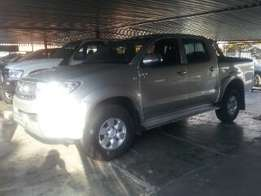 toyota hilux 3.0d4d double cab,silver,2007 model,for sale