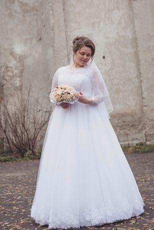 5a6bd8066fb823 Весільне плаття: 2 500 грн. - Весільні сукні Городенка на Olx