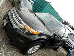 A clean and sound Ford explorer 2013model Registered like a brand new