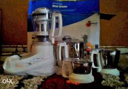 Complete blender and juice extractor