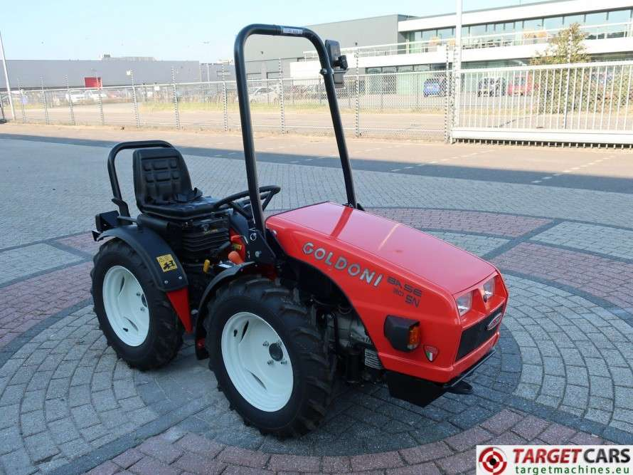 Goldoni Base 20SN Tractor 4WD Diesel 20.4HP NEW UNUSED - image 3
