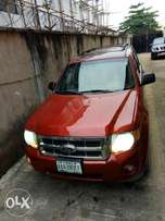 Ford escape 2011. Red. For sale