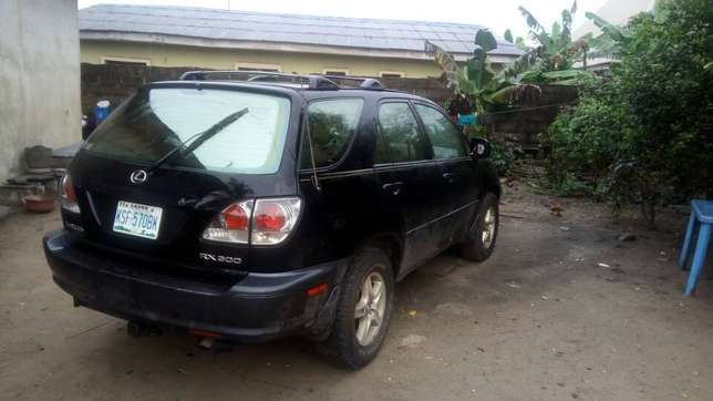Extremely Neat Lexus Rx300 Agege - image 3
