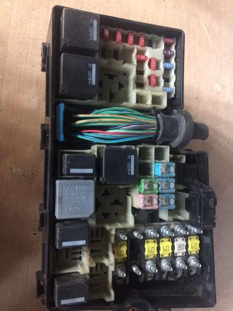 ford focus 2.0 tdci fuse box for sale - car parts & accessories - 1062558530  olx
