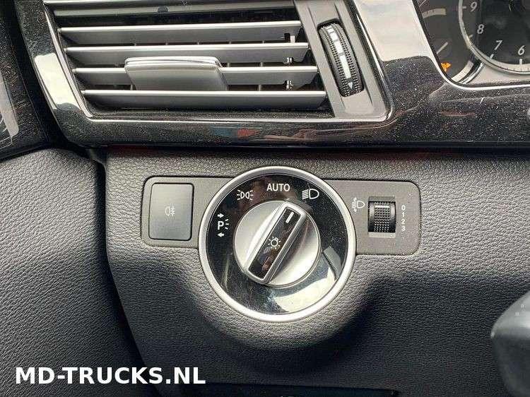 Mercedes-Benz E200 CDI - 2012 - image 10