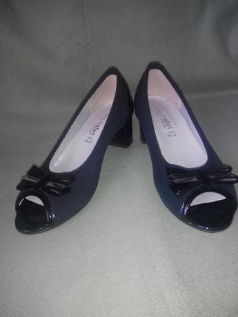 Туфлі  300 грн. - Жіноче взуття Луцьк на Olx e1a0497bfa695