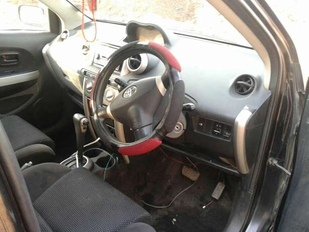 Toyota IST on offer 2005 Nairobi CBD - image 3