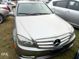 Mercedes Benz C300 4matic 2011 model
