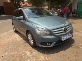 Excellent condition 2015 Mercedes Benz B200 for sale