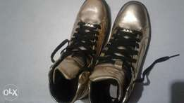 second hand gold sneakers size 42