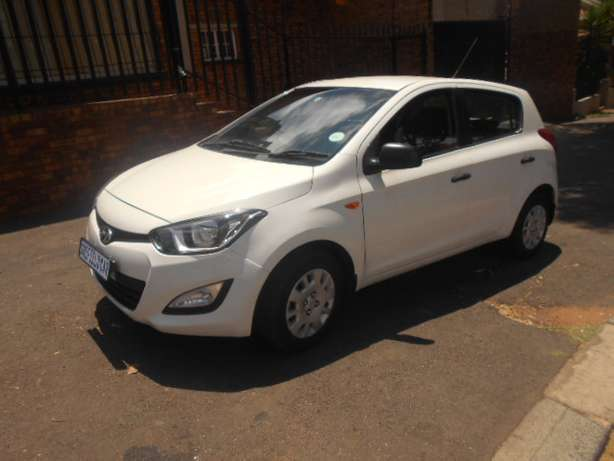 Immaculate condition 2013 Hyundai i20 1.4 Hatchback for sale Johannesburg - image 3