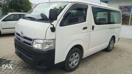 Toyota hiace 2011 model